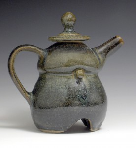 Dumbo Teapot Right 9x9x5