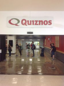 Quiznos store front