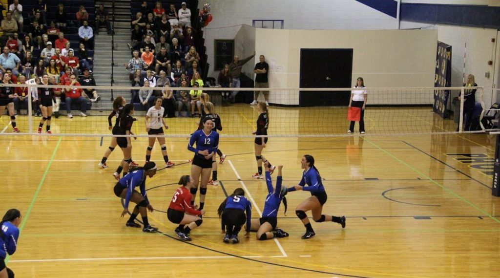 LLCC Loggers women's volleyball game