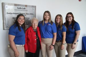 Evelyn Brandt Thomas with LLCC ag students